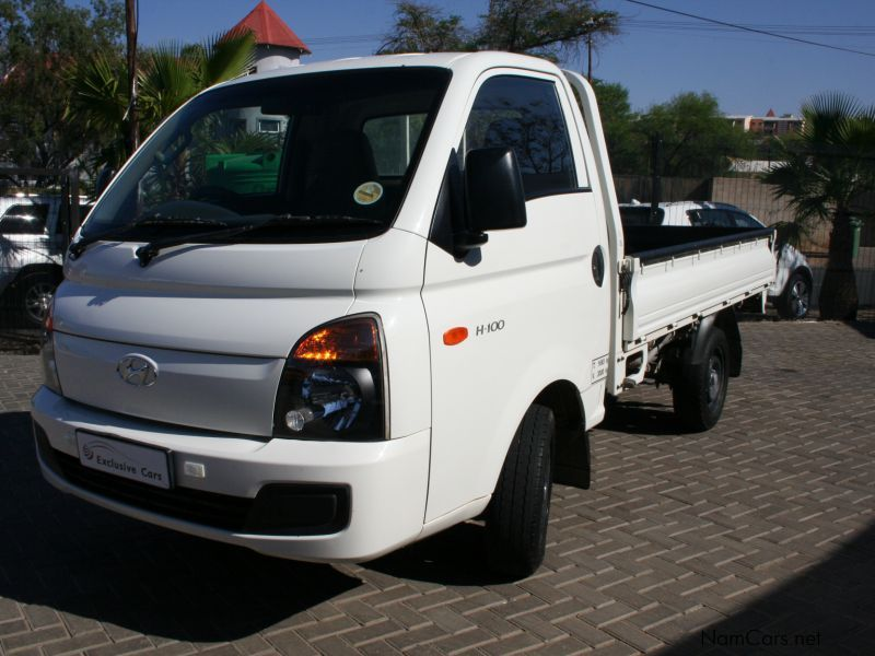 used hyundai h100 2 6 pick up diesel 2015 h100 2 6 pick up diesel for sale windhoek hyundai. Black Bedroom Furniture Sets. Home Design Ideas