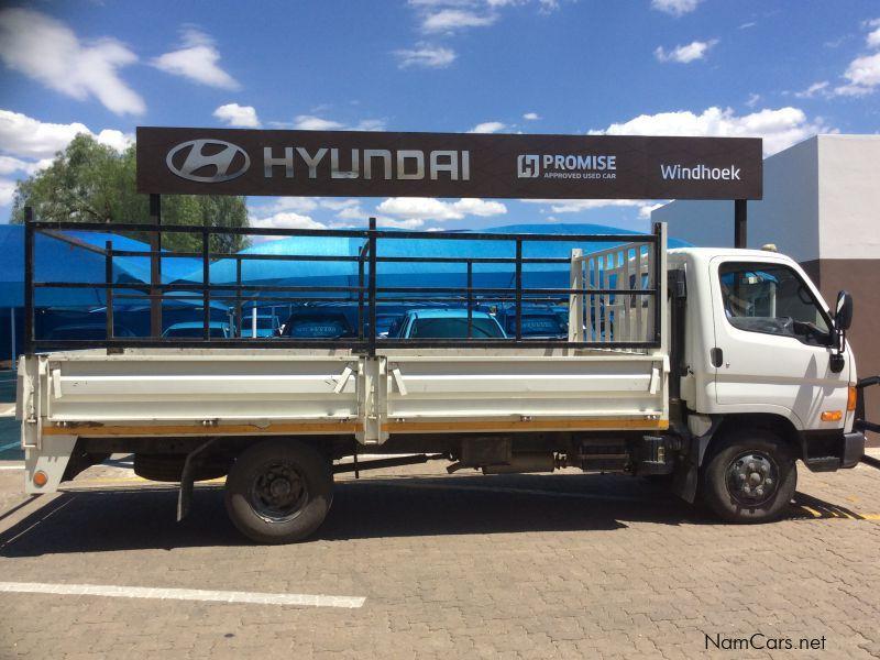 used hyundai hd72 4ton truck 2015 hd72 4ton truck for sale windhoek hyundai hd72 4ton truck. Black Bedroom Furniture Sets. Home Design Ideas
