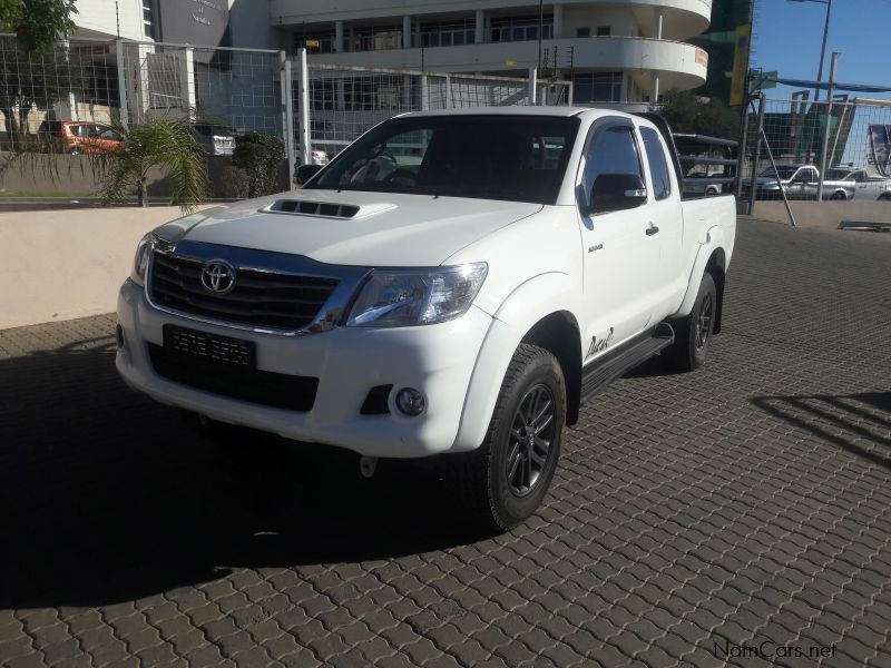 used toyota hilux 3 0 d4d dakar 2015 hilux 3 0 d4d dakar for sale windhoek toyota hilux 3 0. Black Bedroom Furniture Sets. Home Design Ideas