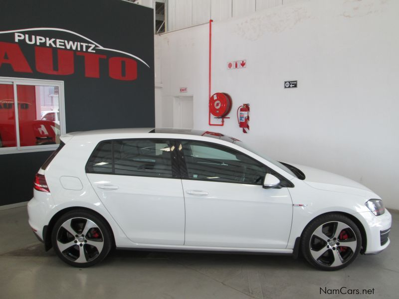 used volkswagen golf 7 gti dsg 169 kw performance pack. Black Bedroom Furniture Sets. Home Design Ideas