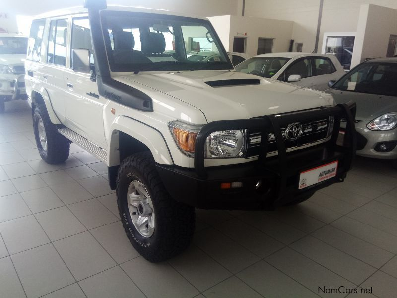 used toyota land cruiser v8 diesel turbo vx 2016 land cruiser v8 diesel turbo vx for sale. Black Bedroom Furniture Sets. Home Design Ideas