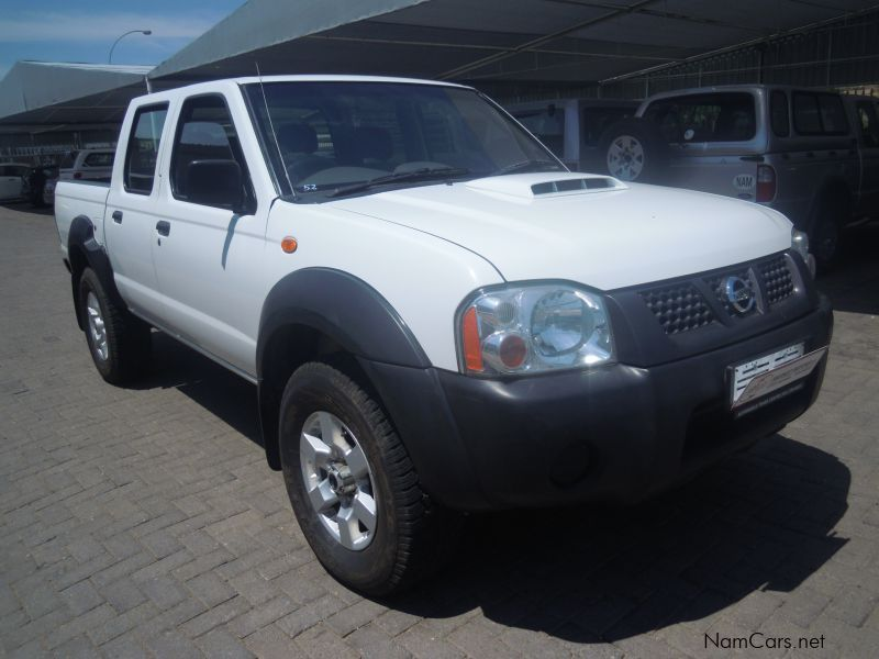 Pre-owned Nissan NISSAN NP300 D/CAB 4X4 for sale in
