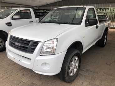Pre-owned Isuzu KB250 D-TEQ Hi-Rider S/C for sale in