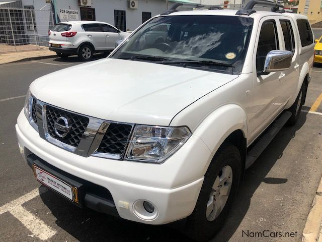 Pre-owned Nissan Navara 2.5 dCi LE D/C 4x4 manual for sale in