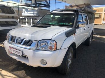 Pre-owned Nissan NP300 2.5 TDI D/Cab 4x4 for sale in