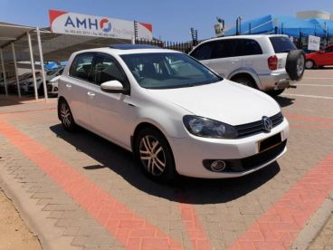 Pre-owned Volkswagen Golf 1.6 TDi Comfortline for sale in