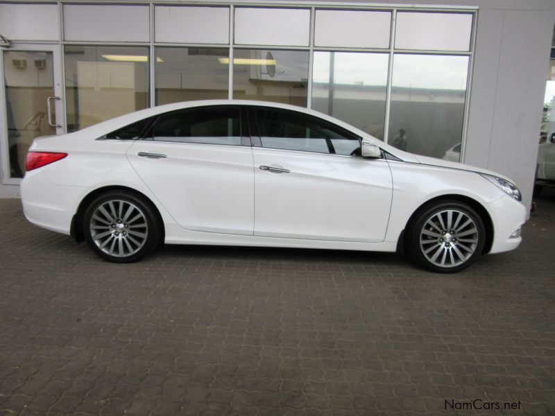 Pre-owned Hyundai Sonata 2.4 Gdi Elite A/t for sale in Windhoek