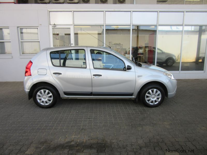 Pre-owned Renault Sandero 1.6 for sale in Windhoek