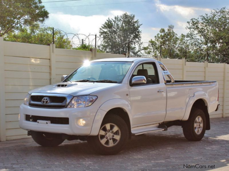 Pre-owned Toyota Hilux D-4D for sale in
