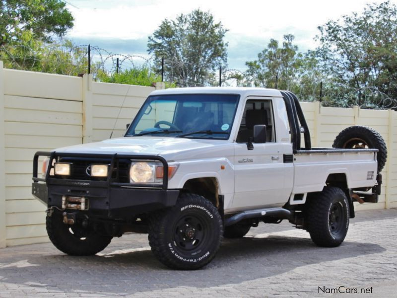 Pre-owned Toyota Land Cruiser EFI for sale in