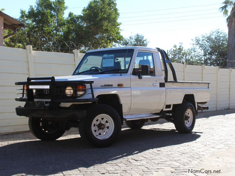Pre-owned Toyota Land cruiser 4.5 EFI for sale in