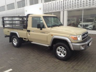 Pre-owned Toyota Land Cruiser 4.0 V6 for sale in