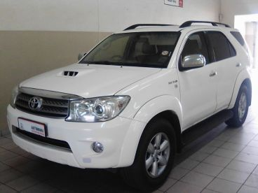 Pre-owned Toyota Fortuner 3.0 D-4D 4X4 (N13) for sale in