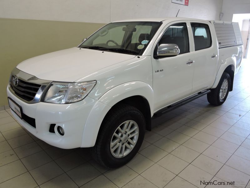 Pre-owned Toyota Hilux 4.0 V6 Raider 4x4 AT DC PU for sale in