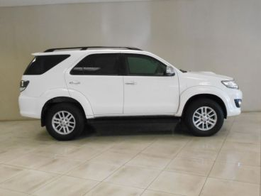 Pre-owned Toyota FORTUNER 2.5 for sale in
