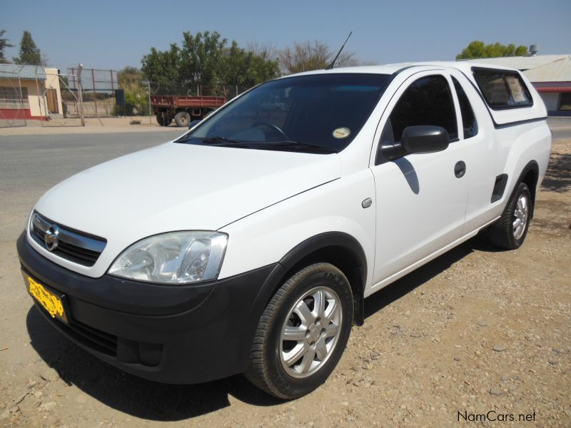 Pre-owned Chevrolet Corsa for sale in Okahandja