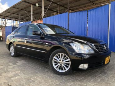 Pre-owned Toyota Crown 3.0L V6 for sale in