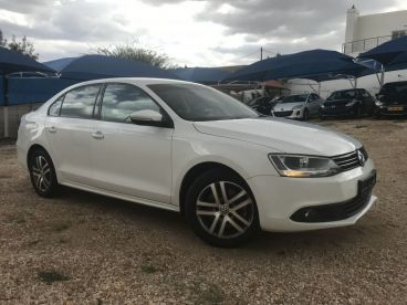 Pre-owned Volkswagen JETTA HIGHLINE 1.4T for sale in