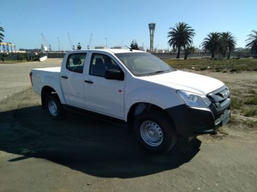 Pre-owned Isuzu Omutaare D-Max250 for sale in