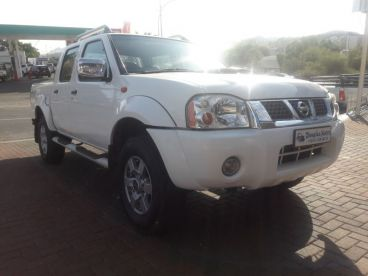 Pre-owned Nissan NP 300 2.5 DC 4x4 for sale in