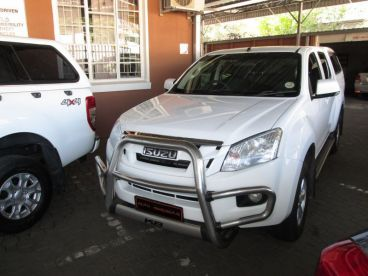 Pre-owned Isuzu KB 250 LE D-TEQ D/C 2x4 for sale in