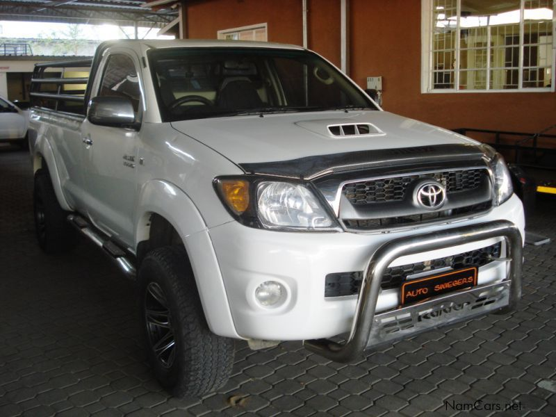 Pre-owned Toyota Hilux 3.0 D4D S/C R/B Raider for sale in