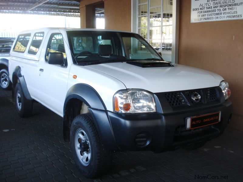 Pre-owned Nissan NP 300 2.5 TDi S/C 4x4 for sale in