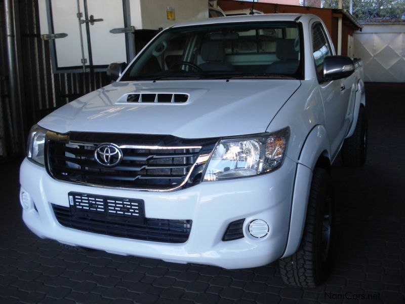 Pre-owned Toyota Hilux 3.0 D4D S/C 4x4 Raider for sale in