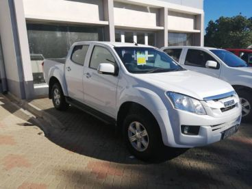 Pre-owned Isuzu KB 250 D-TEQ D/CAB 4x4 LE for sale in