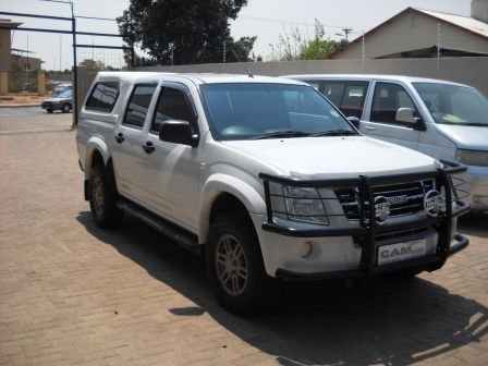 Pre-owned Isuzu KB 240 LE D/C 4x2 for sale in