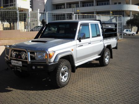 Pre-owned Toyota Land Cruiser 4.5 V8 D/C 4x4 for sale in