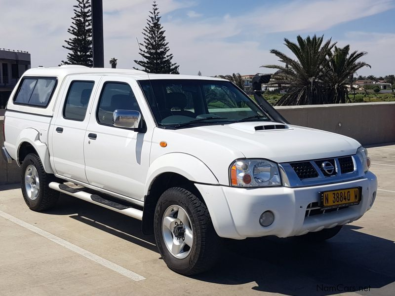 Pre-owned Nissan NP300 2.5 D/C 4x4 for sale in