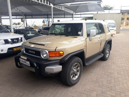 Pre-owned Toyota Toyota FJ Cruiser 4.0 V6 for sale in