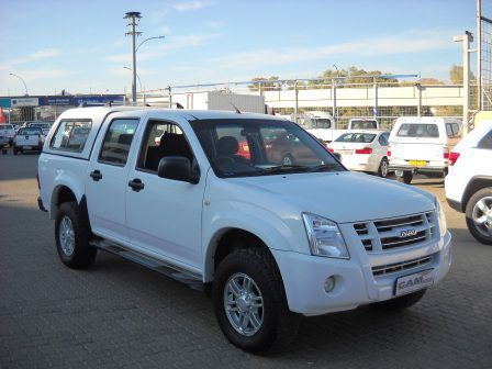 Pre-owned Isuzu KB 250 D/C 4x2 for sale in