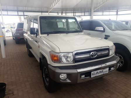 Pre-owned Toyota Land Cruiser 4.2  D/C 4x4 for sale in