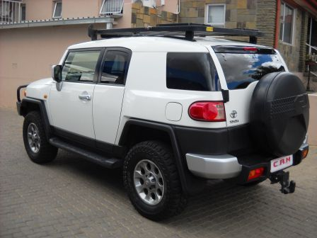 Pre-owned Toyota FJ Cruiser 4.0 V6 4x4 for sale in Windhoek