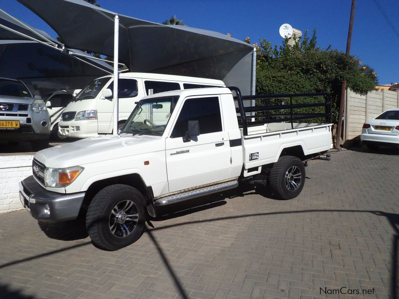 Pre-owned Toyota Toyota Land Cruiser 4.2 for sale in Windhoek