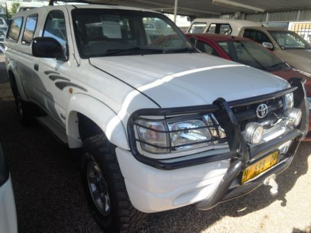 Pre-owned Toyota HILUX 2.7I S/CAB 4X4 Bull Nose for sale in