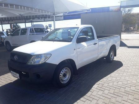 Pre-owned Toyota Hilux 2.0L vvti 4x2 S/C for sale in