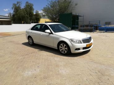 Pre-owned Mercedes-Benz C 180 Kompressor for sale in