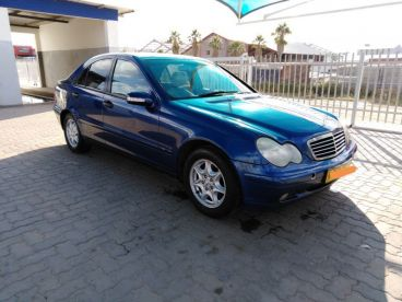 Pre-owned Mercedes-Benz C180 Kompressor for sale in