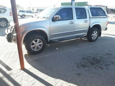Pre-owned Isuzu Kb 360 lx for sale in