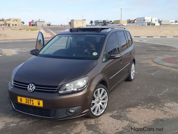 Pre-owned Volkswagen Touran 1.4 TSI for sale in