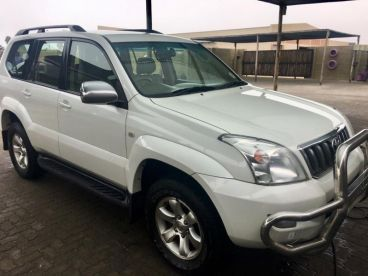 Pre-owned Toyota Land Cruiser Prado VX 4.0 V6 for sale in