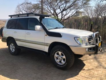 Pre-owned Toyota Landcruiser 100 for sale in