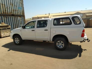 Pre-owned Toyota Hilux 4x4 d/cab 2.5TD D4D for sale in