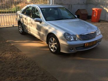 Pre-owned Mercedes-Benz C230 Elegance for sale in