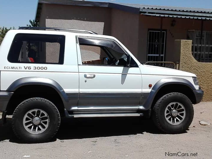Pre-owned Mitsubishi PAJERO V6 for sale in