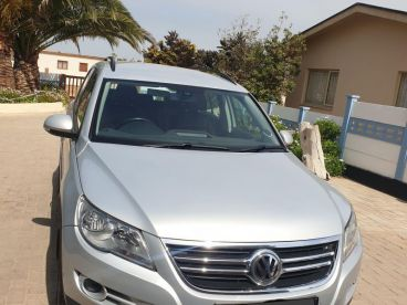Pre-owned Volkswagen Tiguan 4 Motion 1.4 TSI Track & Field(local) for sale in
