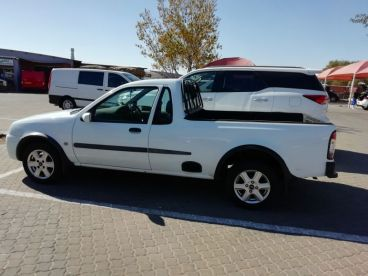 Pre-owned Ford Bantam1.6i XLT for sale in